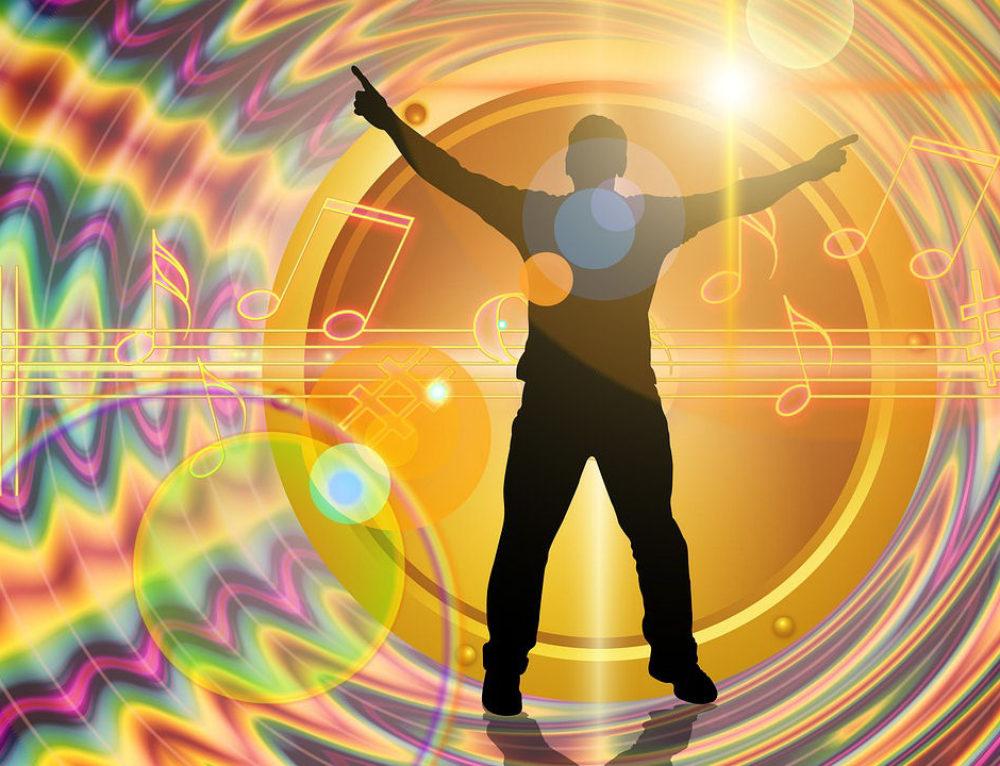 כיצד צליל משפיע על החומר ועל התודעה?
